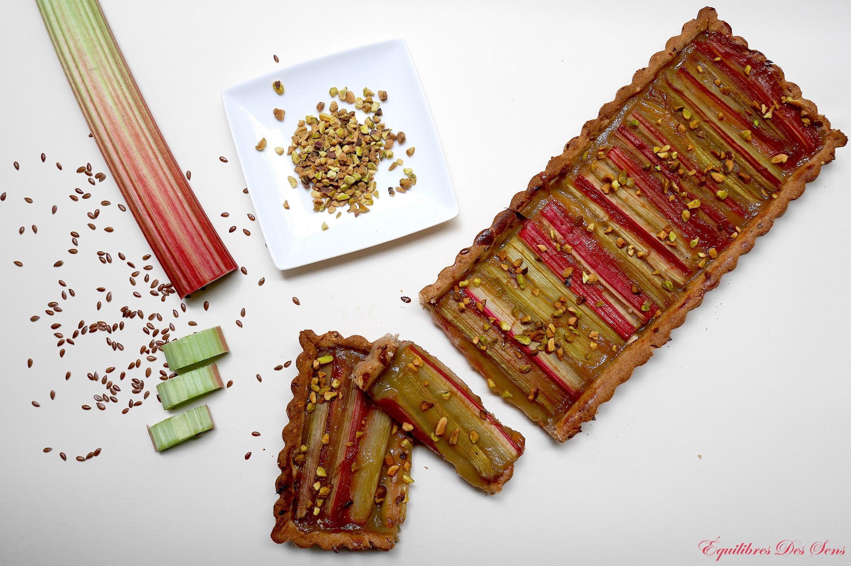 Une tarte légère mêlant les saveurs de la pomme et de la rhubarbe dont vous aurez des souvenirs !
