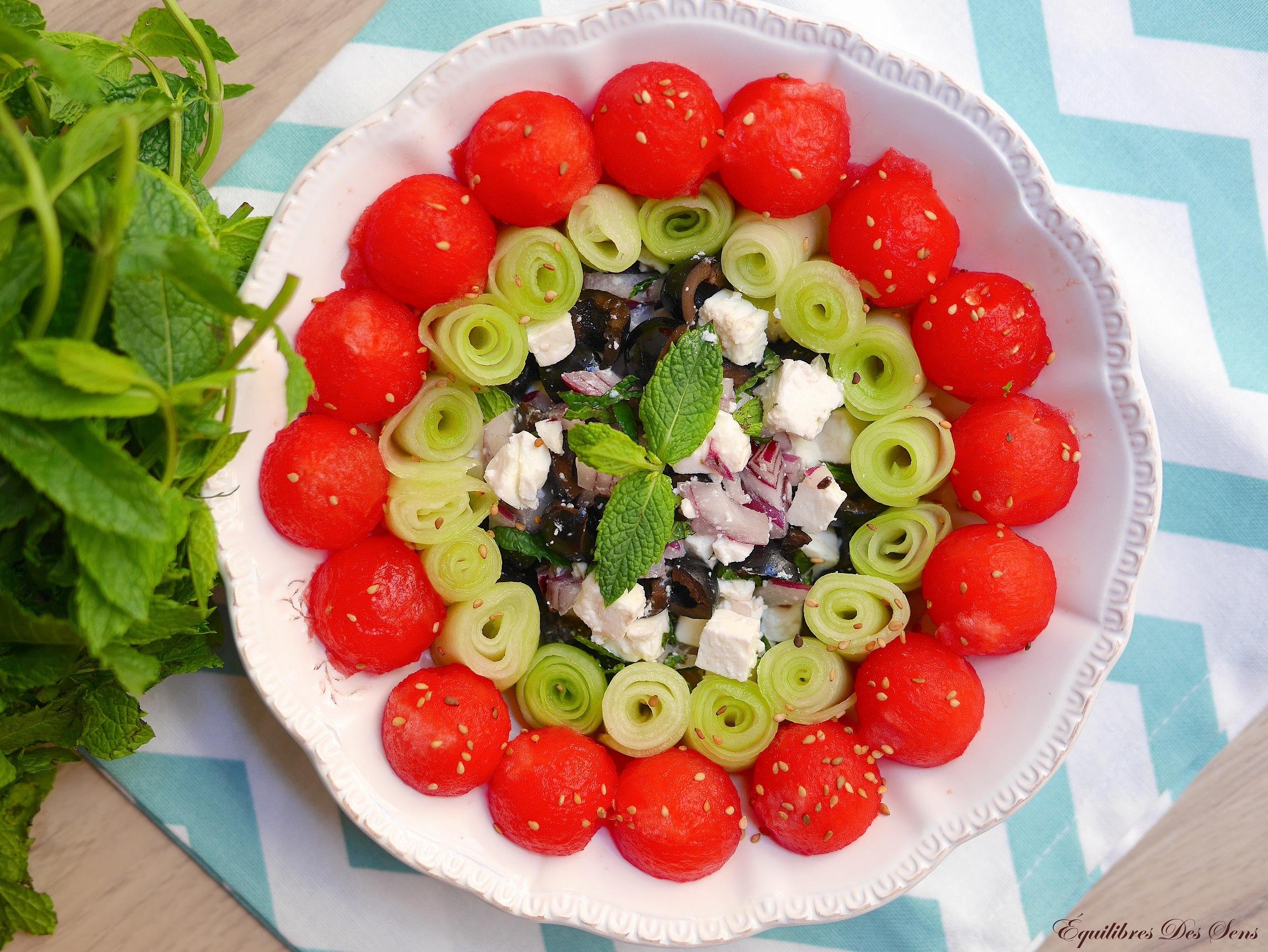 Une salade pastèque-concombre-feta fraîche et colorée !