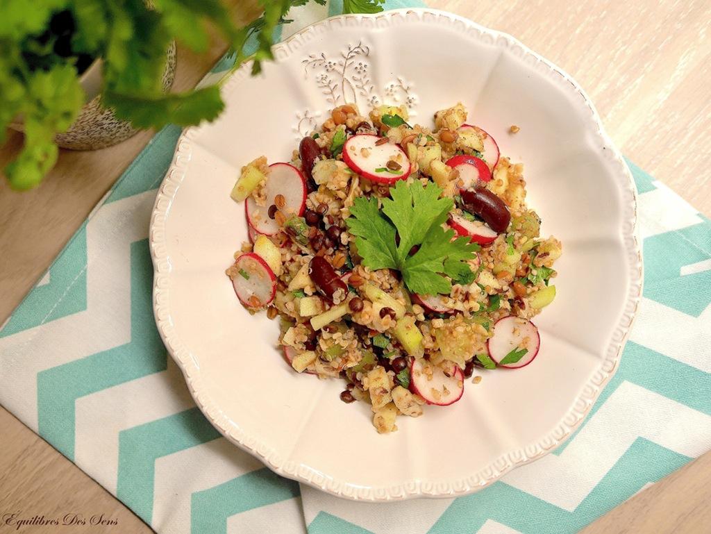 Une salade de graines à la coriandre fraiche et croquante pour le plaisir des papilles :-)