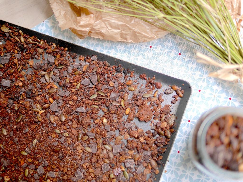 Granola maison au chocolat et à la noisette pour un petit déjeuner équilibré et gourmand ;-)