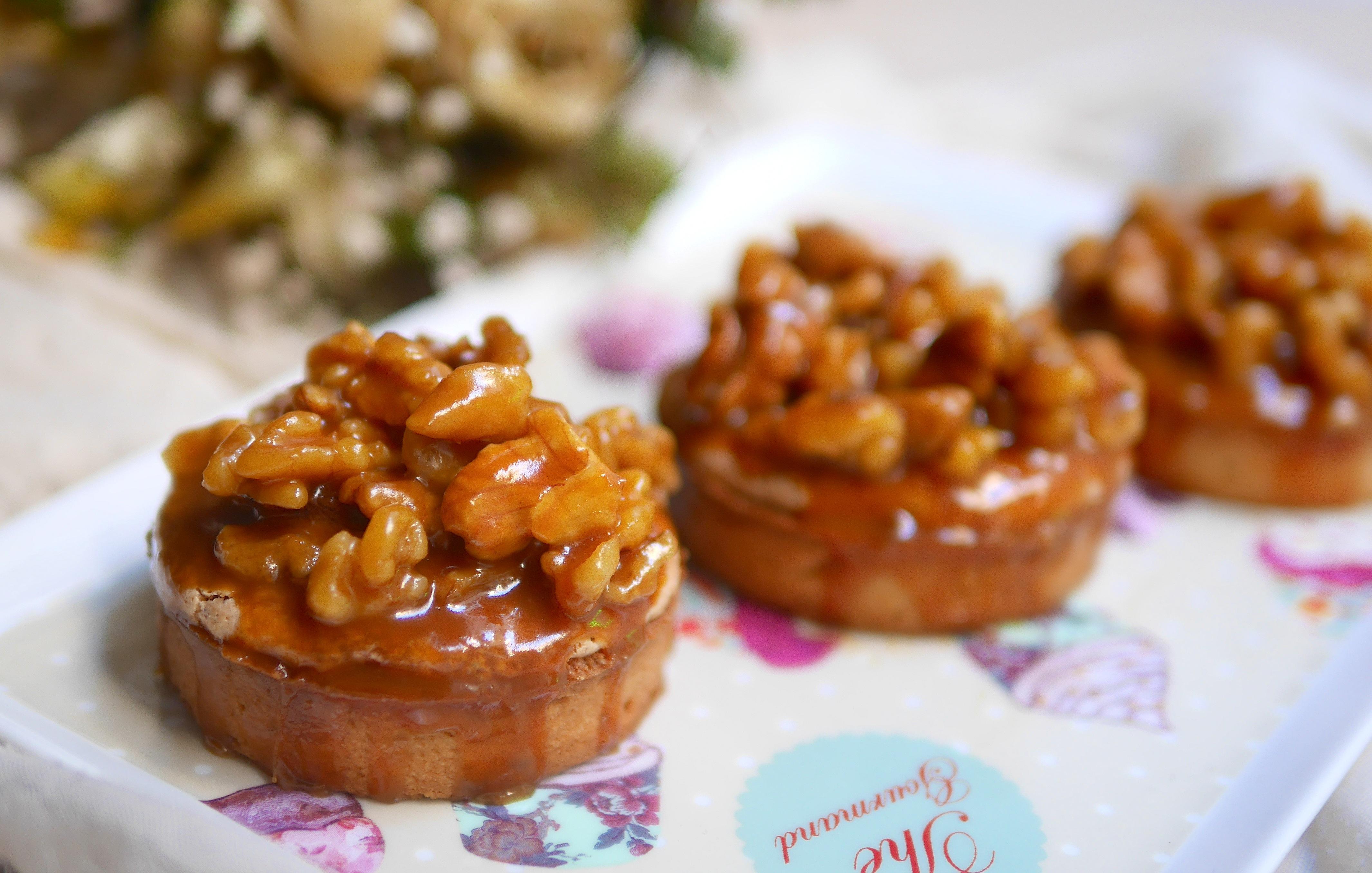 Tartelettes aux noix et caramel beurre salé pour un dessert d'automne sain & gourmand ;-)