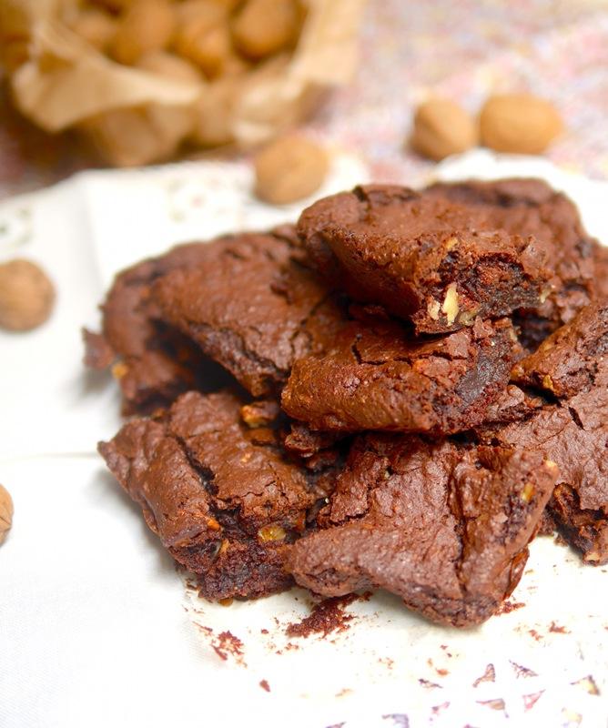 Brownie choco-marrons vegan et sans gluten pour le plus grand bonheur des gourmands attentifs à leur alimentation !