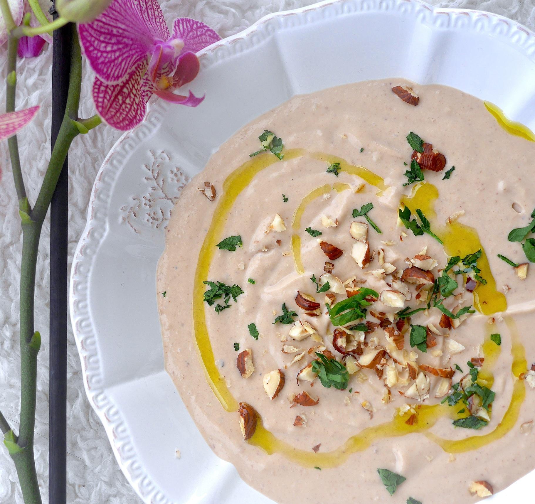 Velouté aux châtaignes et noisettes grillées à la crème de riz ! Onctueux, léger et savoureux !